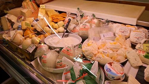 Egyszerű sajtpult, de csak a mozzarellás része. :)