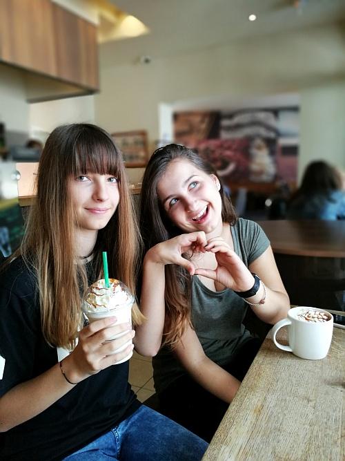 Kamaszokkal az élet Jó!  Lehet velük nagyokat kávézni ;)