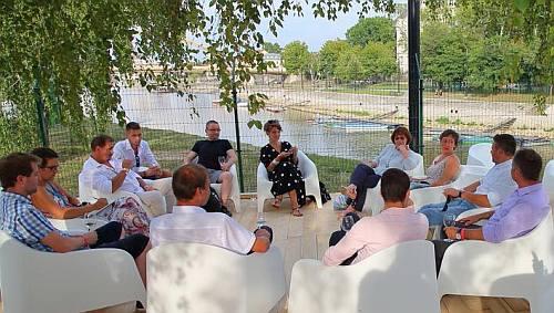 Kóstolunk és a szervezőkkel, a pannonhalmi borászokkal beszélgetünk a PH-Értékről