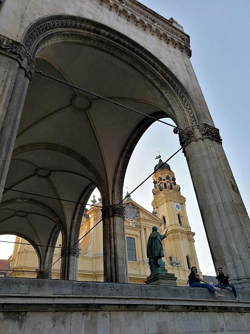Firenze is tiszteletét teszi Münchenben