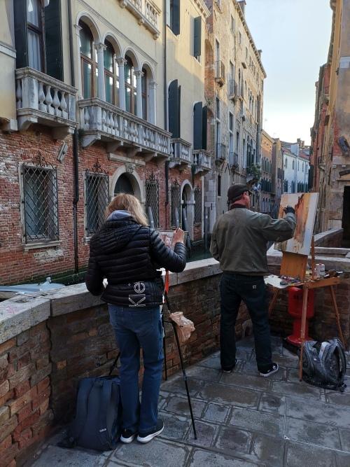 Róma után ítt is találkoztunk az álakvarellistákkal. Öröm volt látni, hogy van aki tényleg megfesti ezt a várost.