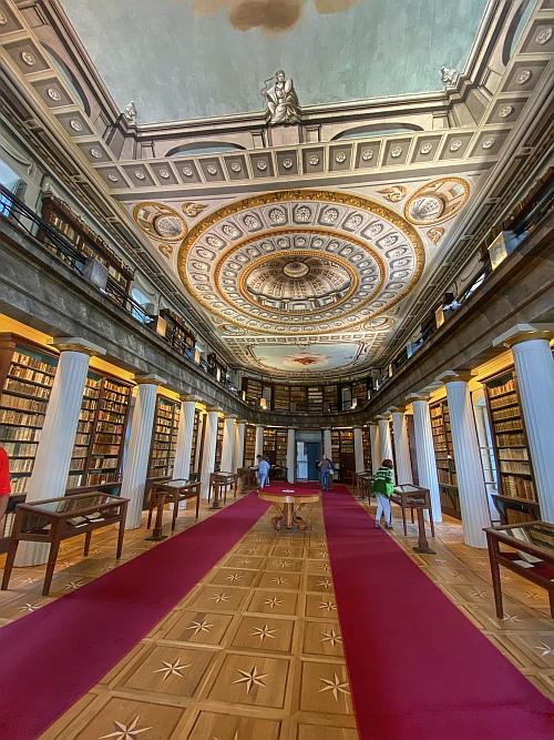A Kollégium könyvtára igazi gyöngyszem